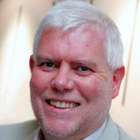 Dr Ian Hunt